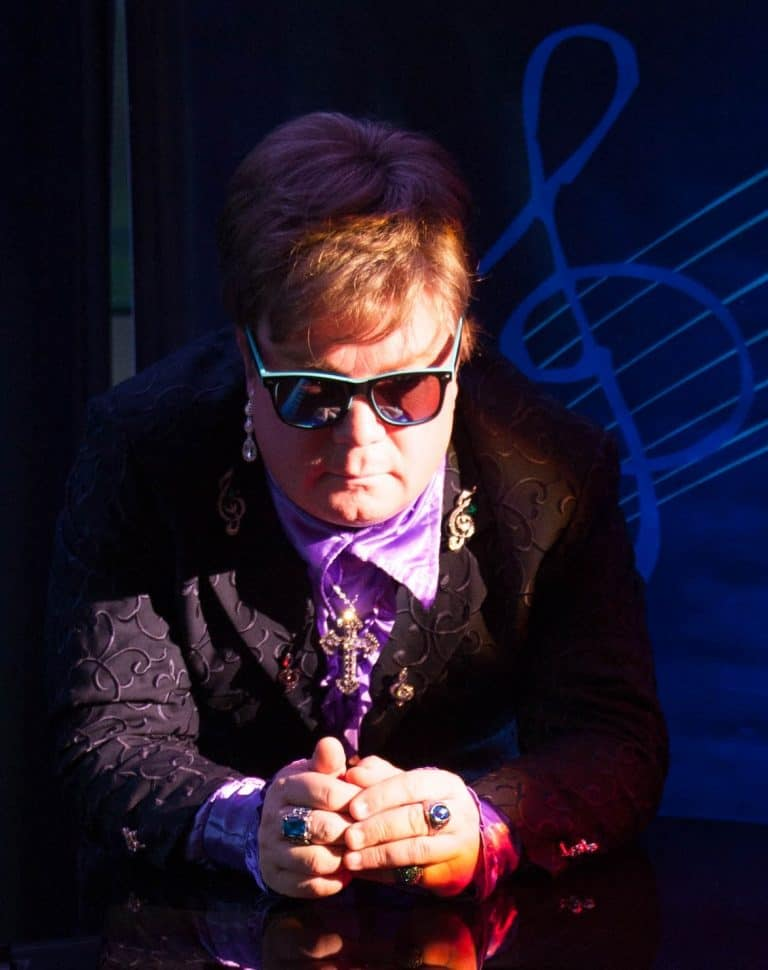 Elite Elton Elton John Tribute Act - Up Close