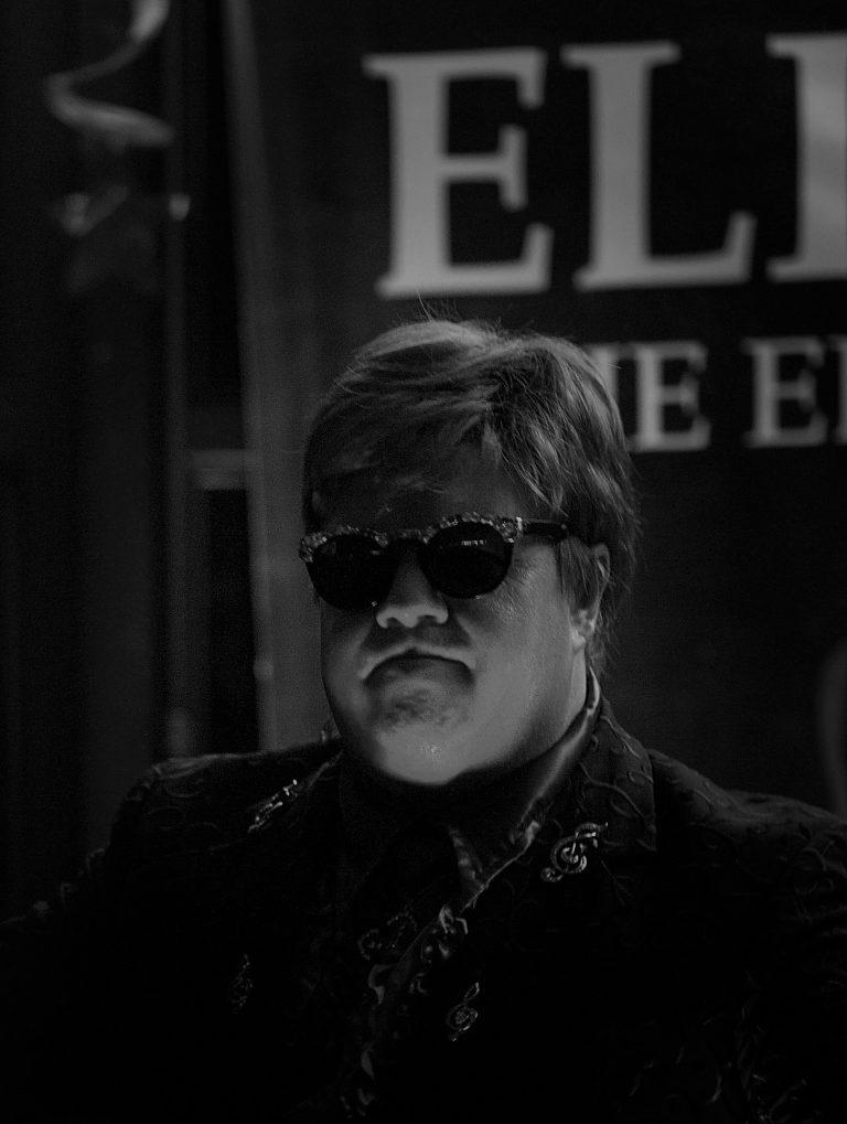 Elton John Look alike